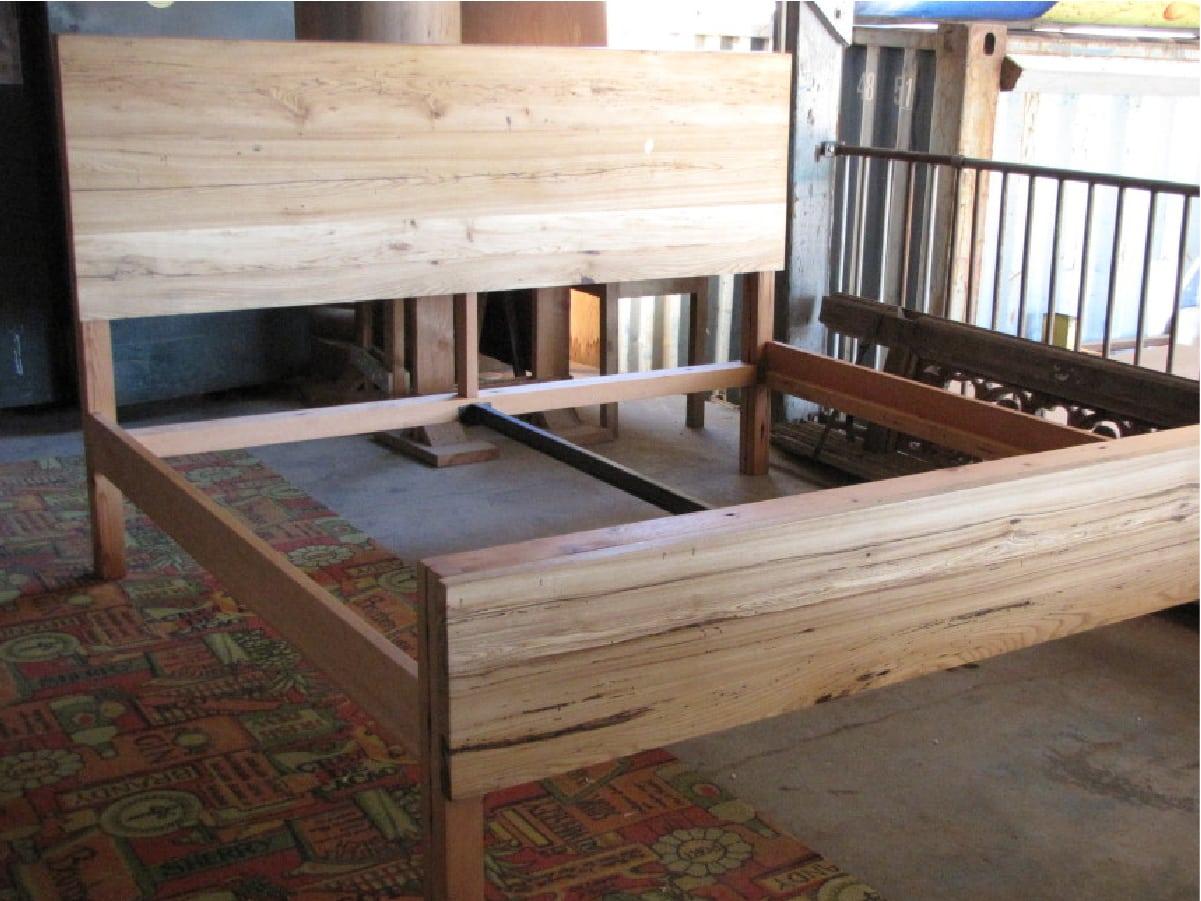 heritage salvage furnishings beds 05