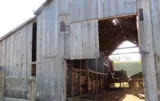 heritage salvage reclaimed barndoors and barnwood 07